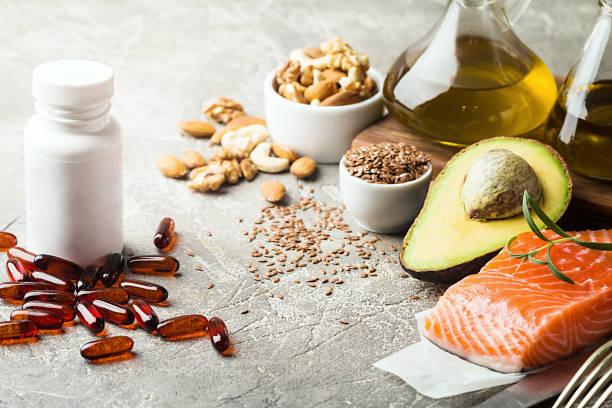 grasas saludables en la alimentación. - omega 3 fotografías e imágenes de stock