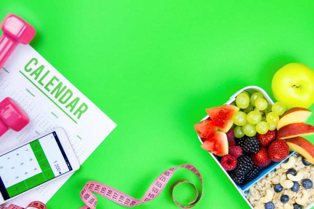 hälsosam fitness mat till frukost - calendar workout bildbanksfoton och bilder