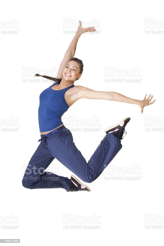 Gesunde fitness Frau springen isoliert auf weißem Hintergrund – Foto