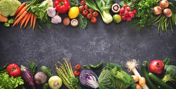 健康食品概念與新鮮蔬菜和烹飪食材 - 十字花科 個照片及圖片檔
