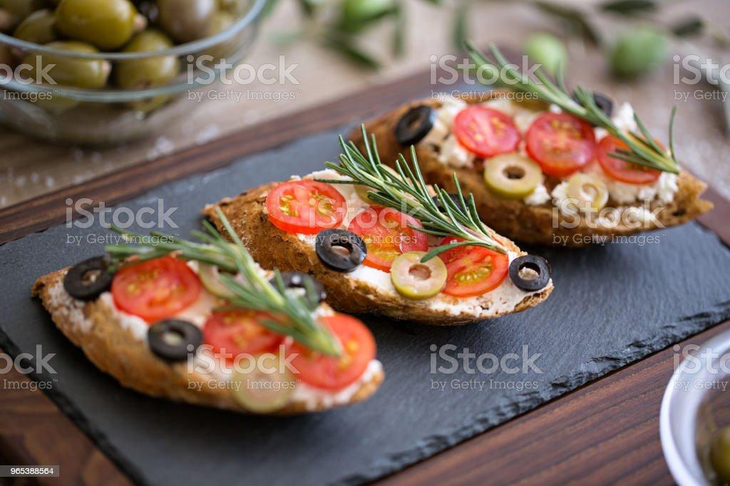 건강 한 음식-접시 브루 쉐 타 - 로열티 프리 0명 스톡 사진