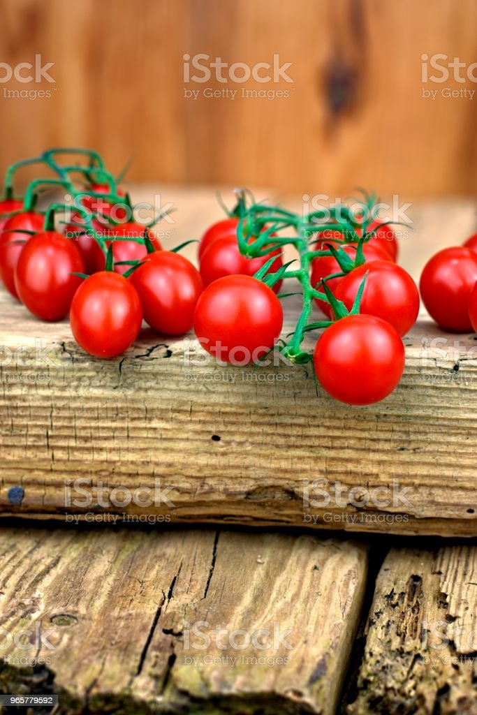 Gezonde voeding, tomaten en plantaardige concept. - Royalty-free Basilicum Stockfoto