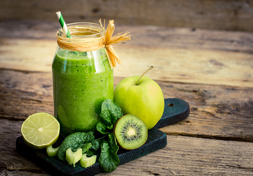 istock Healthy green smoothie in the jar 528303648