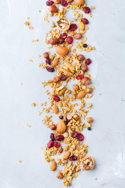 healthy homemade cereal muesli granola bars for breakfast - granola imagens e fotografias de stock