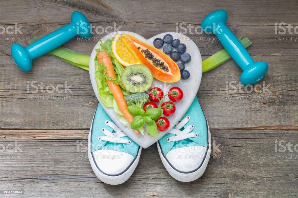 Concepto de estilo de vida saludable con dieta y aptitud abstracta - foto de stock