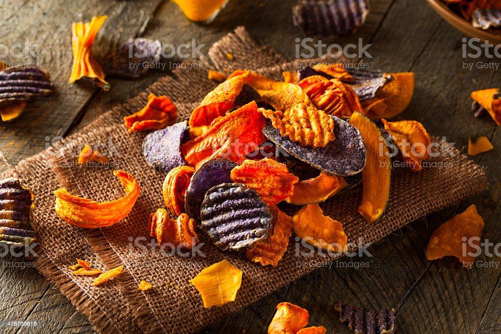Saudáveis legumes orgânicos batata Chips - foto de acervo
