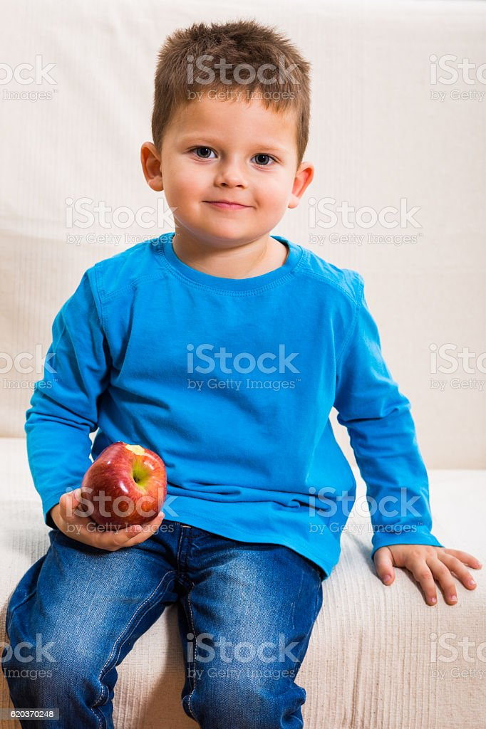 Healthy snack for a little boy foto de stock royalty-free
