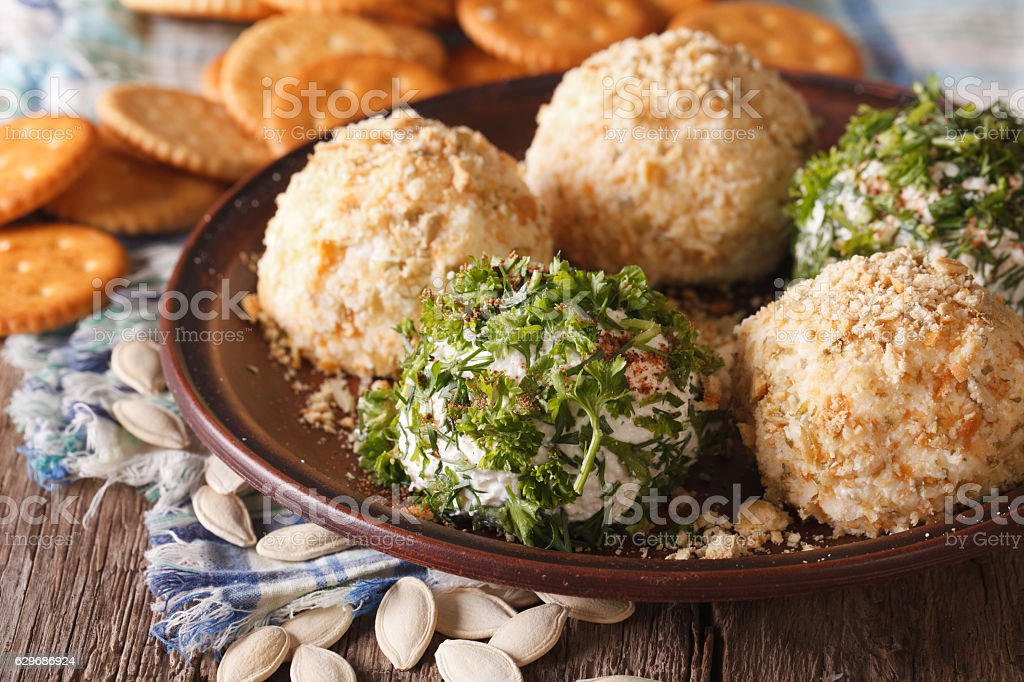 Healthy snacks: Cheese balls with crackers, herbs and seeds - foto de acervo