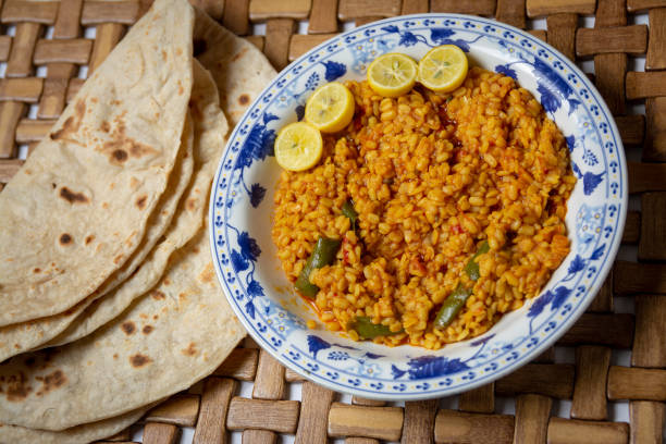 healthy traditional pakistani urad dal and chapati healthy traditional pakistani urad dal and chapati dal makhani stock pictures, royalty-free photos & images