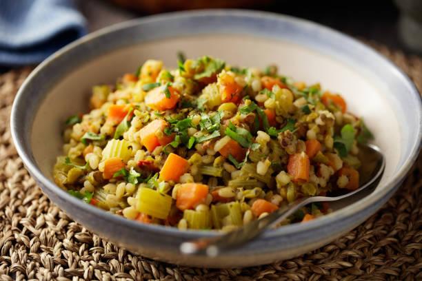 healthy vegan stew - dieta macrobiotica foto e immagini stock