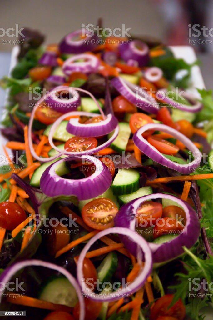 friska grönsakssallad - Royaltyfri Aperitif - Måltid Bildbanksbilder