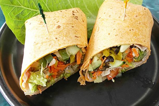 gesunden wraps - veggie wraps stock-fotos und bilder