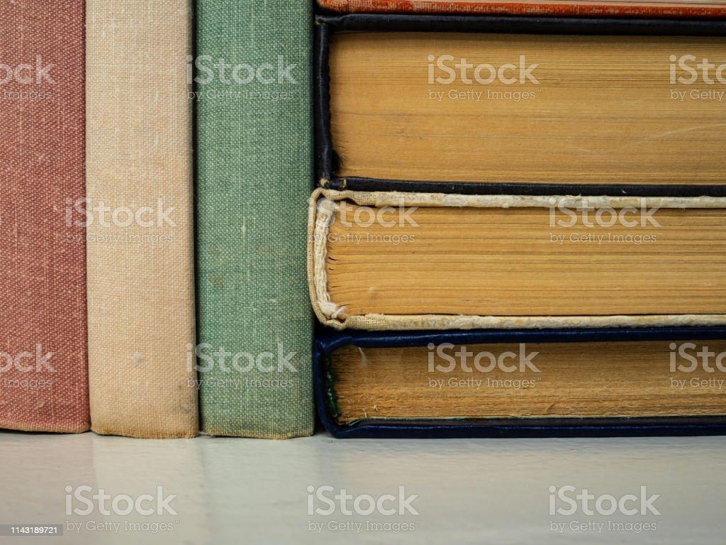Foto de Montão Dos Livros De Flores E De Formulários