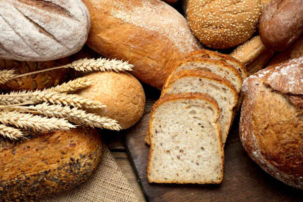 heap brood - bakery stockfoto's en -beelden