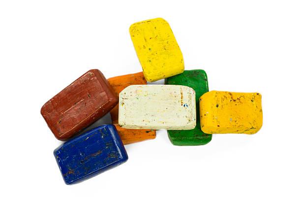 heap of colorful wax crayon - wachsmalblöcke stock-fotos und bilder
