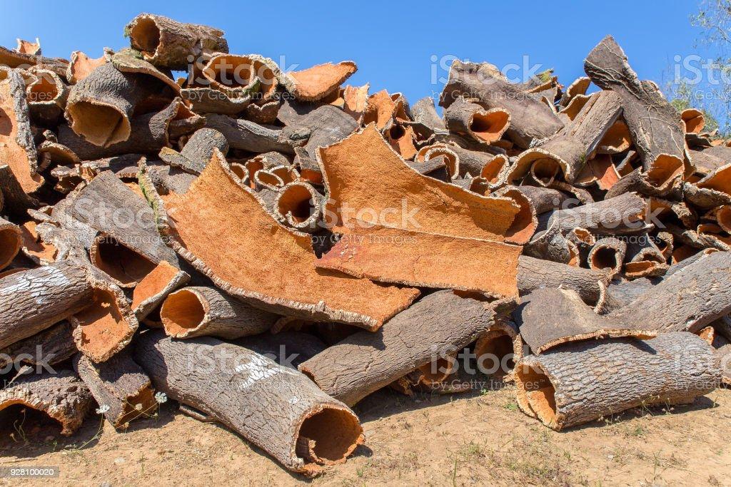 Tas d'écorce de chêne-liège comme matière première - Photo