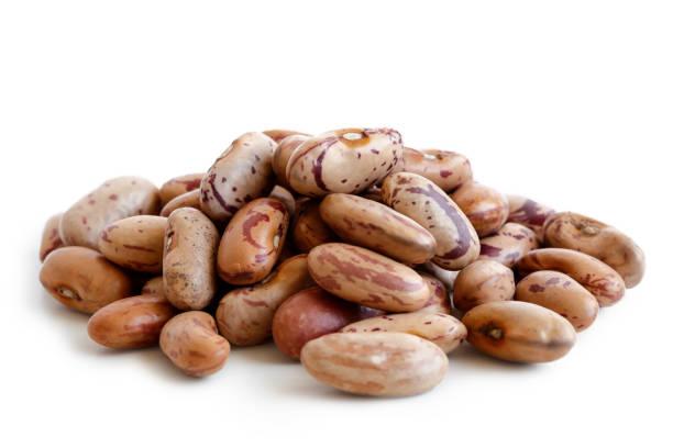 heap of dry pinto beans - fasola pinto zdjęcia i obrazy z banku zdjęć