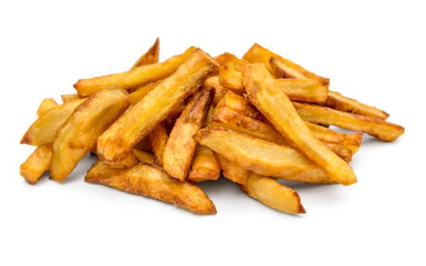 hoop gebakken aardappel op witte achtergrond. - patat stockfoto's en -beelden