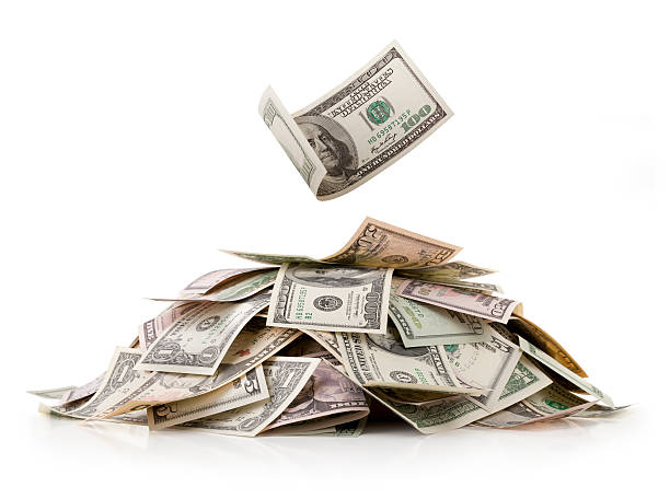 haufen geld. dollar dollarnoten. - haufen stock-fotos und bilder