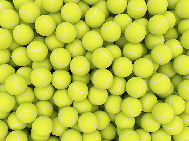 Minier de balles de tennis isolé sur fond blanc - Photo
