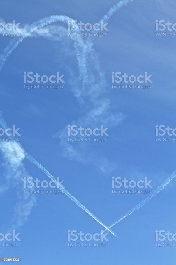 Cuore Nel Cielo Blu Di Sfondo O Ambienti Fotografie Stock E Altre