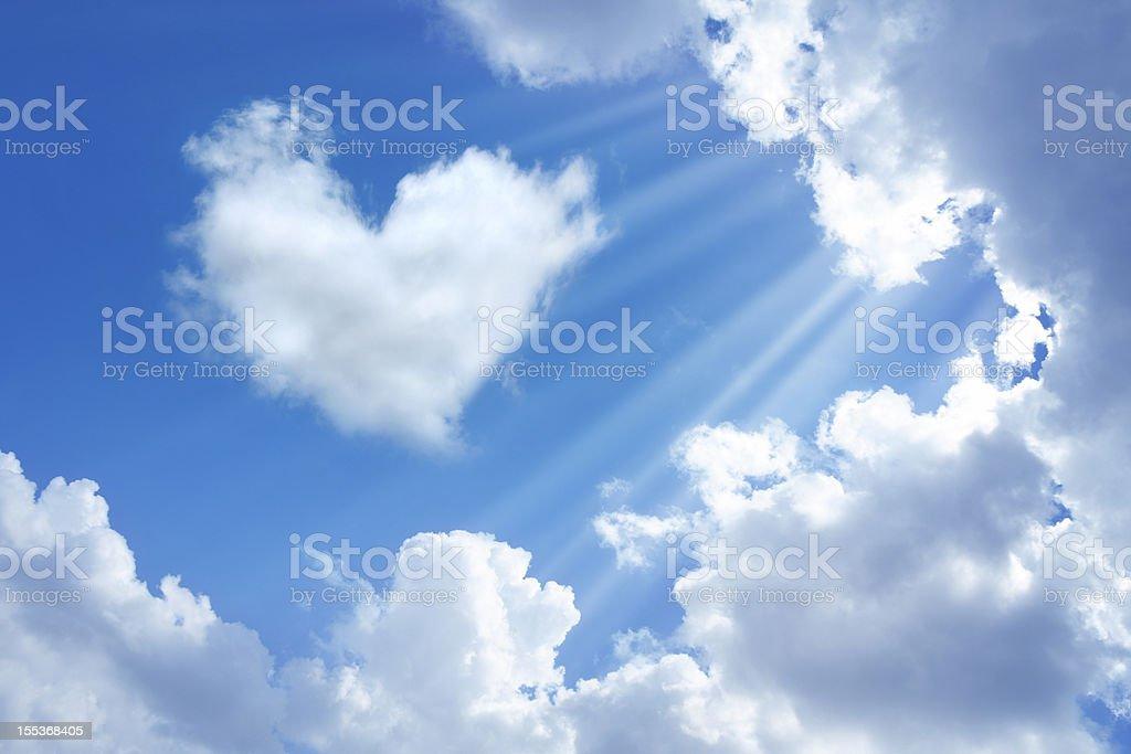 Coração em céu - foto de acervo
