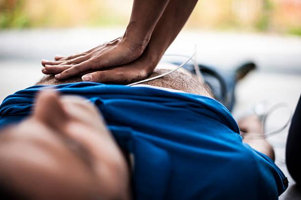centro de masajes - primeros auxilios fotografías e imágenes de stock
