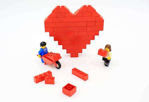 heart of lego - lego stockfoto's en -beelden
