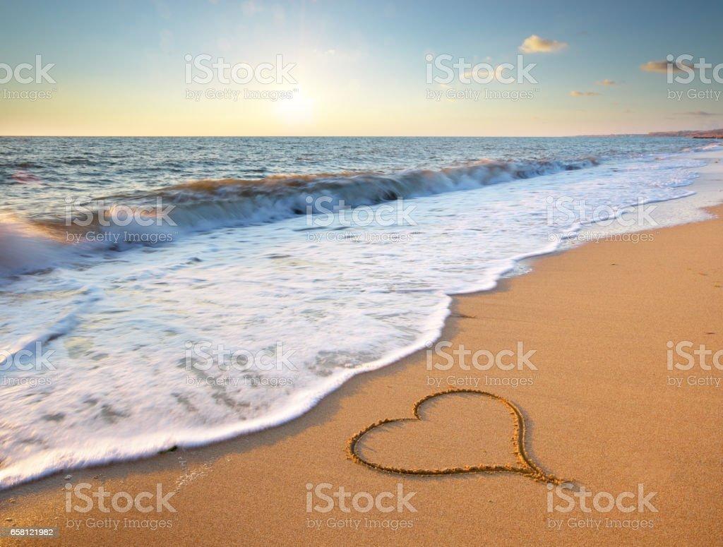 Heart on beach. – Foto