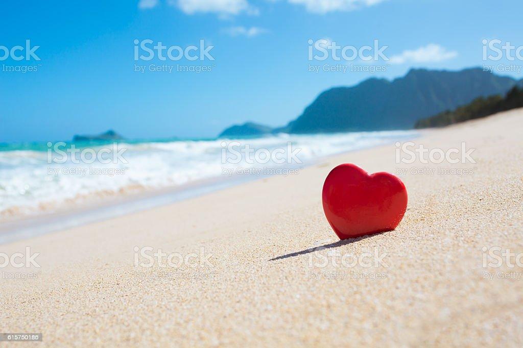 Corazón En La Playa Foto De Stock Y Más Banco De Imágenes De