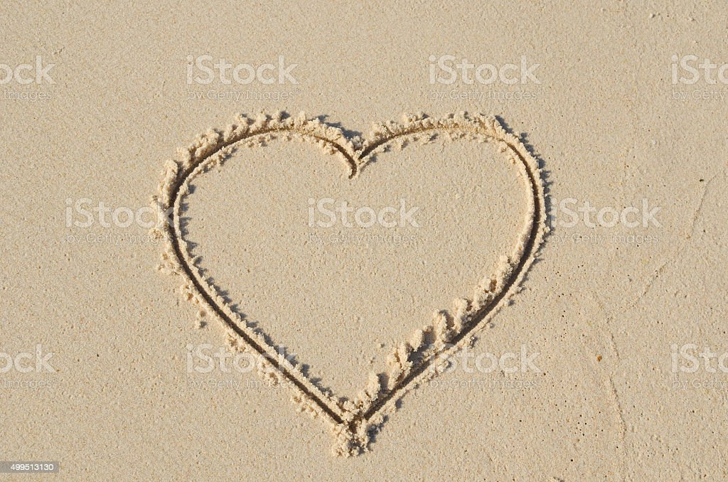 Heart Shape Draw On Beach Stock Photo More Pictures Of 2015 Istock