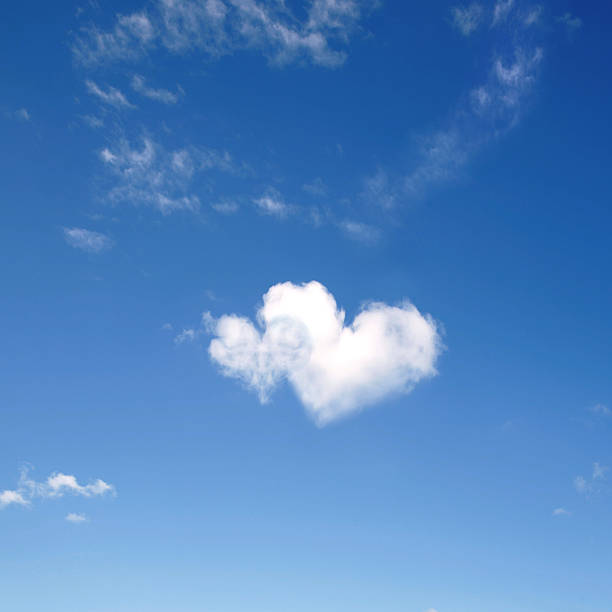Herz geformt Wolken – Foto