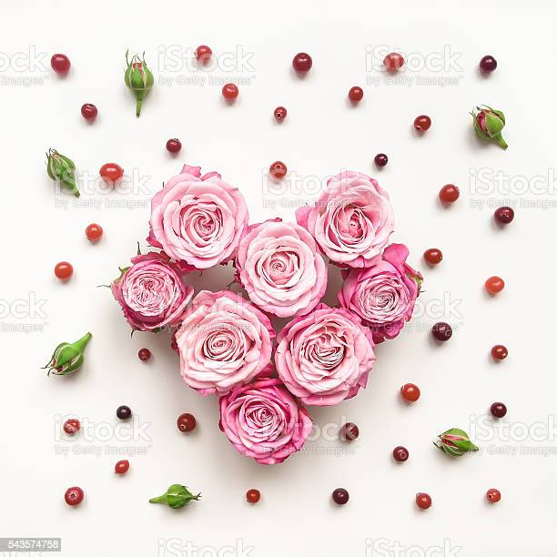 Heart symbol made of roses and leaves on white background picture id543574758?b=1&k=6&m=543574758&s=612x612&h= 58t1g9evjwgfacqekg3by7rdjlbcosayfjpcibvi28=