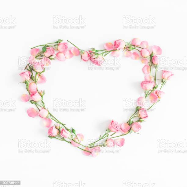 Heart symbol of pink rose flowers flat lay top view picture id909738444?b=1&k=6&m=909738444&s=612x612&h=92iu2bcgv7t b6gmgn7as9vxhy3cc7zpj1imnilu2pw=