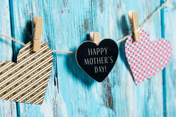 corazones y textos madres felices día - día de la madre fotografías e imágenes de stock