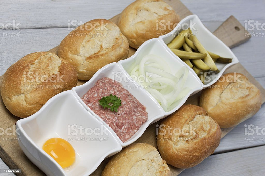 deftige mettplatte stock photo