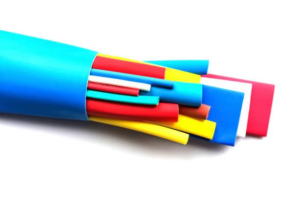 schrumpfschlauch, die komponenten für die isolierung der kabel - spleißen stock-fotos und bilder