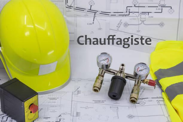 heizung graphic resource mit hausplan sicherheitsausrüstung und sanitärausrüstung - hausgemachte klimaanlage stock-fotos und bilder