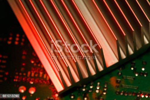 istock chipset heatsink 651013290