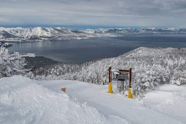 himmlische ski - lake tahoe winter stock-fotos und bilder
