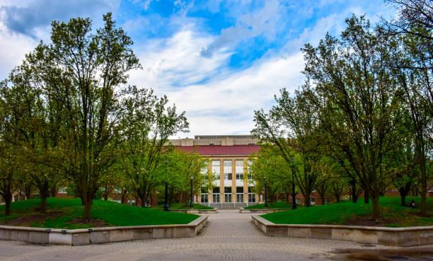 heavilon halle an der purdue university - purdue university stock-fotos und bilder
