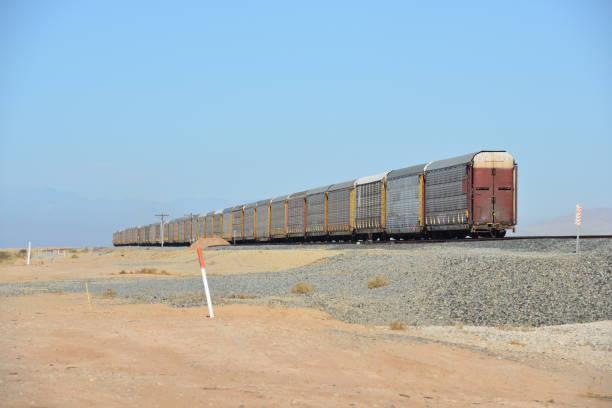 Schwere Güterwagen auf der Strecke an der Salton Sea in Kalifornien zurückgelassen – Foto