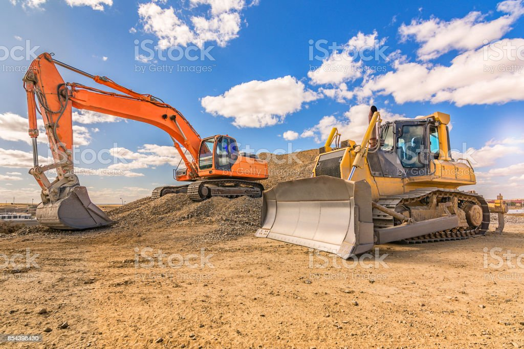Schwere Maschinen in Reparaturarbeiten einer Autobahn – Foto