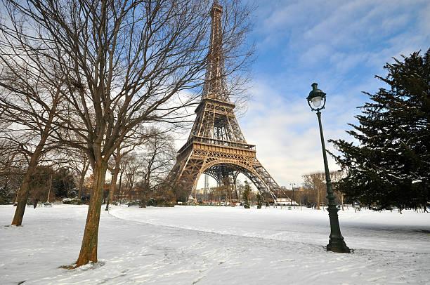 Heavy snowfall in Paris