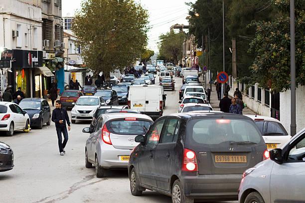 Starker Verkehr in Cheraga, Algerien – Foto