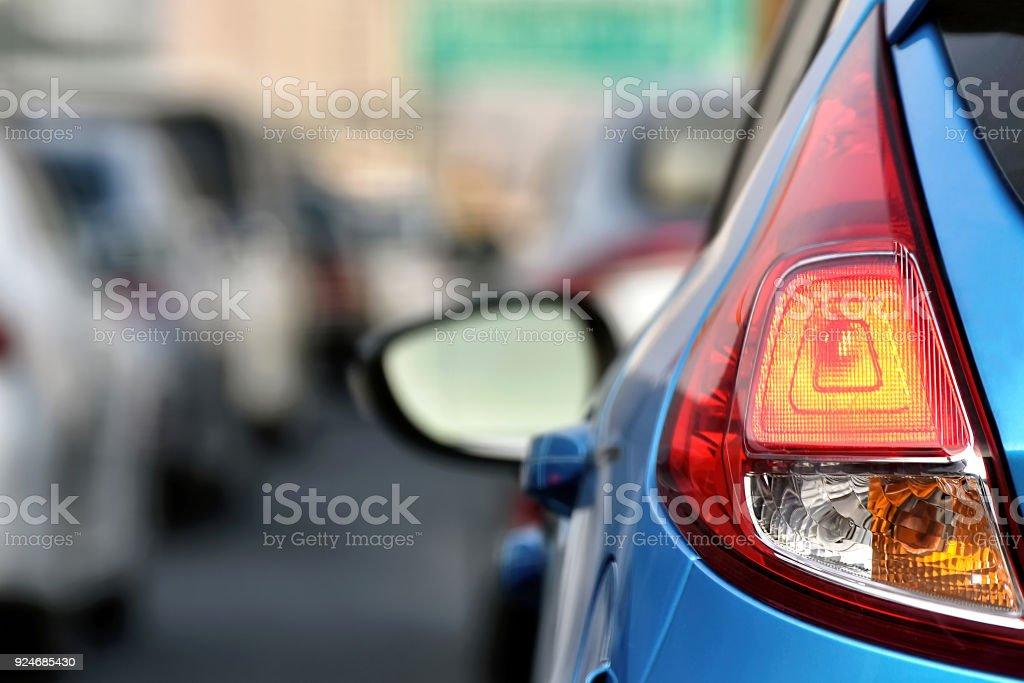 Schweren Staus Innenstadt Autobahn unterwegs, Auto Rücklicht hautnah, Auto Transport Ursache Luftschadstoff. – Foto