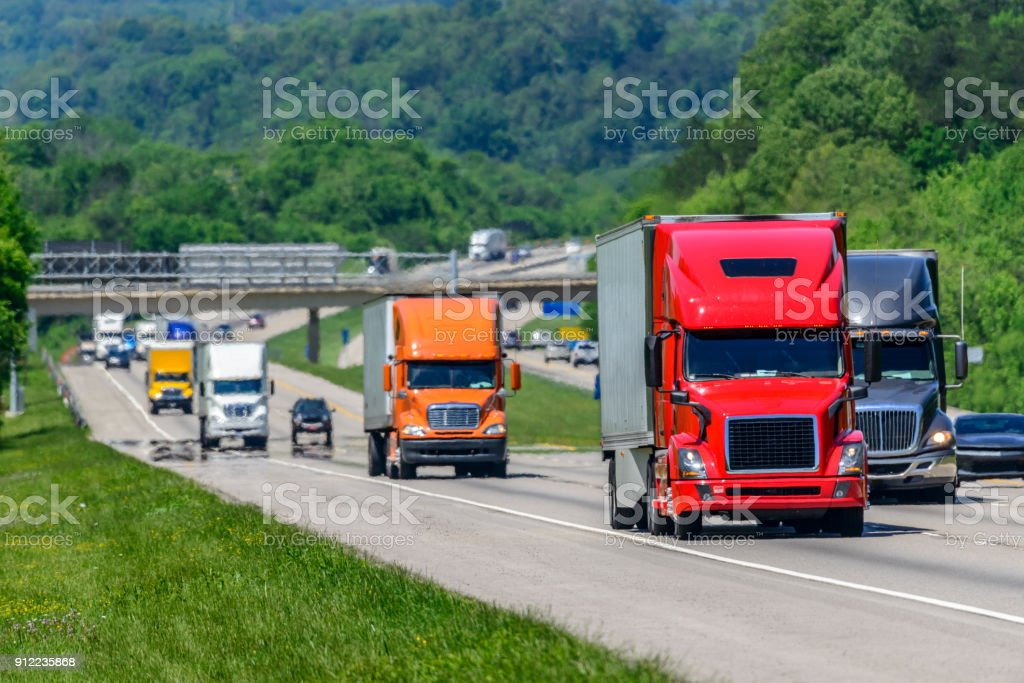 Heavy Traffic On The Interstate Highway - foto stock