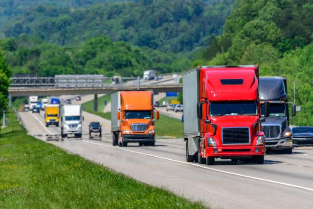 Starker Verkehr auf der Interstate Highway – Foto