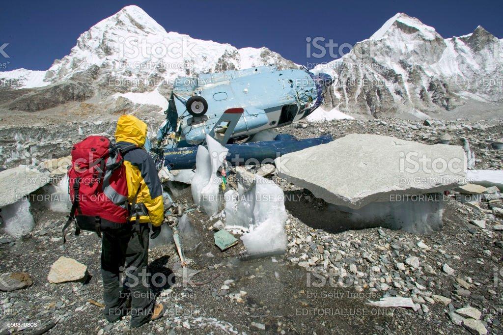 Acidente de helicóptero no Himalaia - foto de acervo