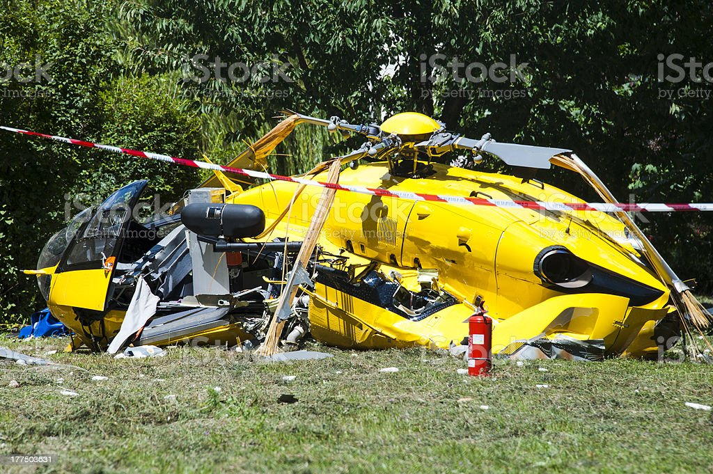 Acidente de helicóptero - foto de acervo